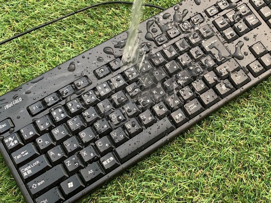 水 た キーボード こぼし